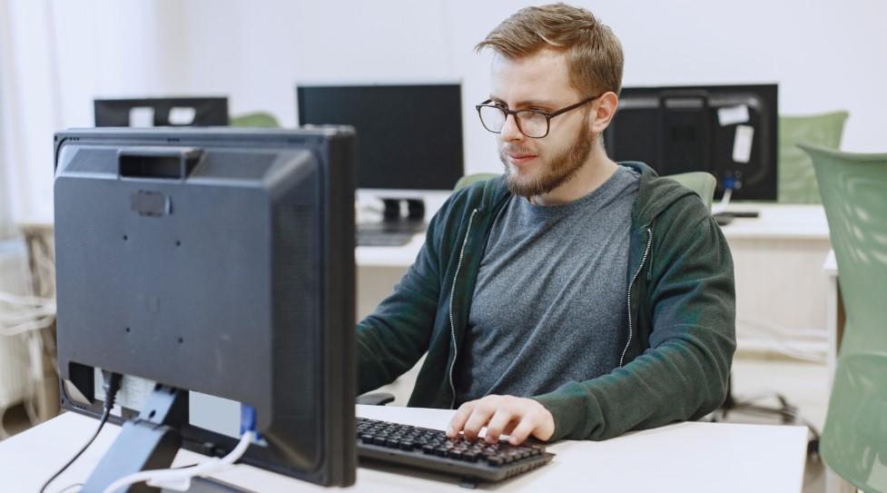 Memilih Kacamata Anti Radiasi Komputer dan Matahari yang Berkualitas, Simak Tipsnya Disini